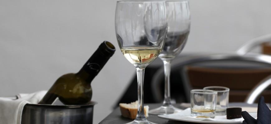 elegir vino en un restaurante